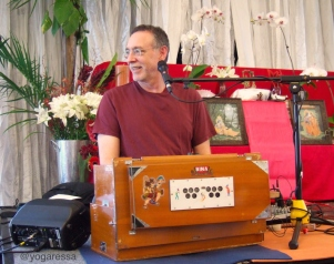 Krishna Das at an Anusara Yoga workshop, Feb 2009, Miami