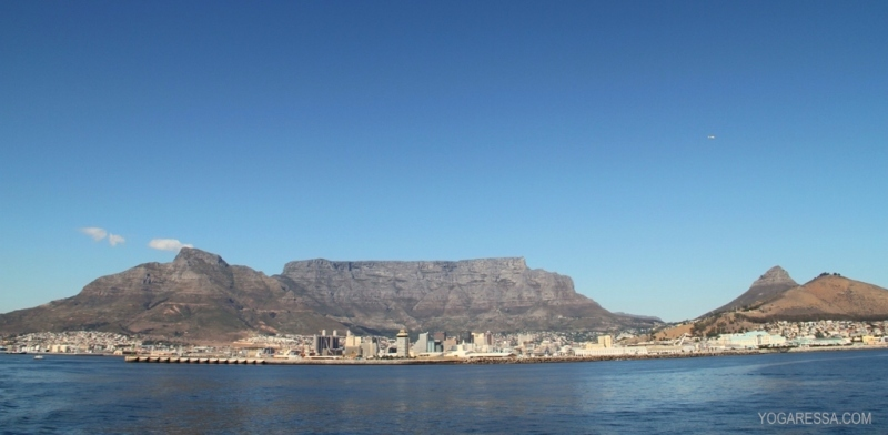 Cape-Town-Table-Mountain-yogaressa