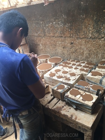 Making pottery moulds