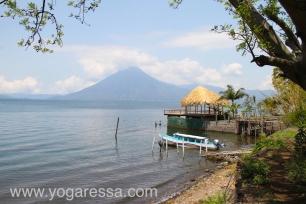 Lake-Atitlan-volcano-5810