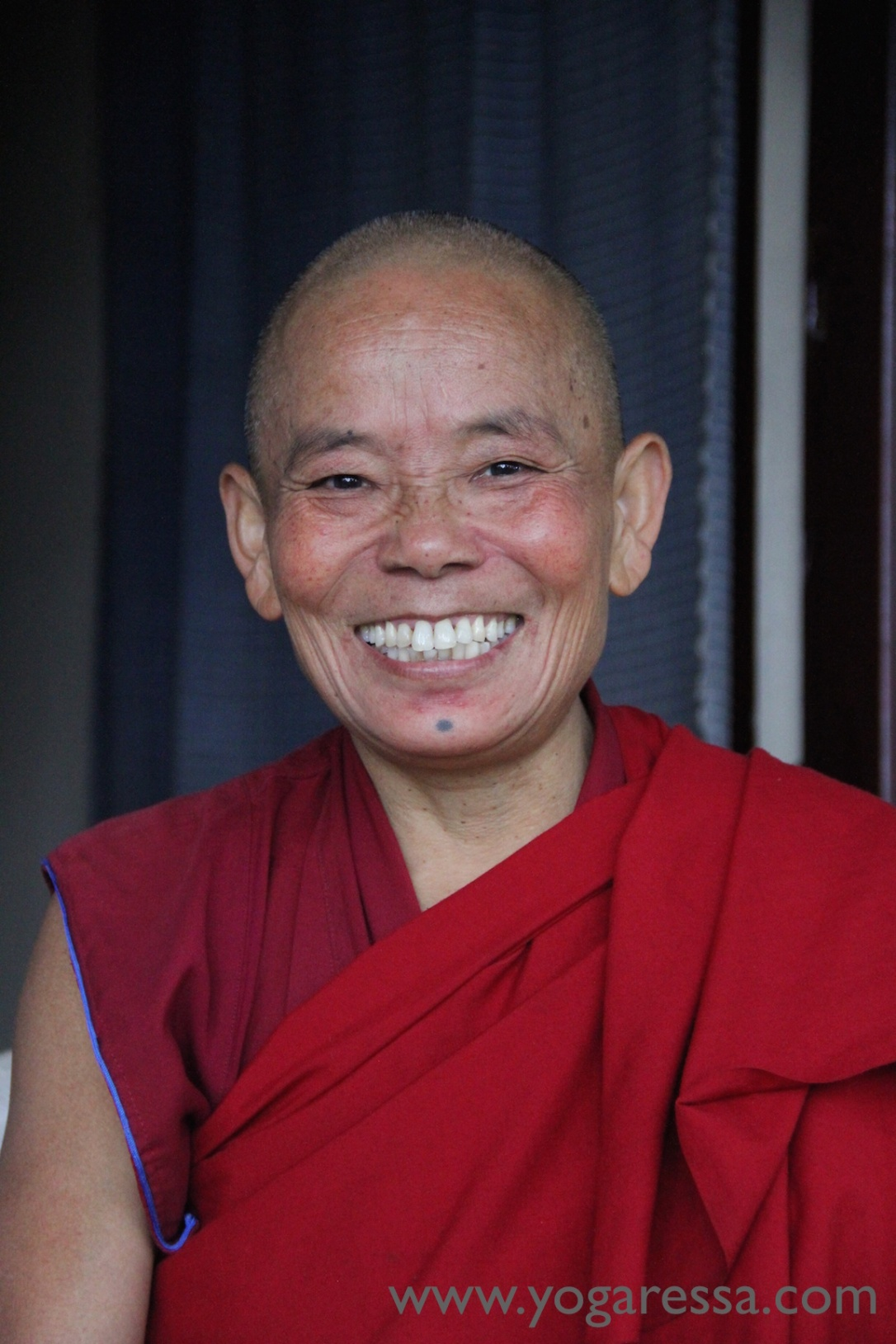Buddhist-Nun-McLeod-Ganj