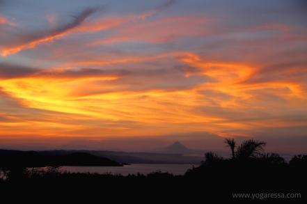 Arenal-volcano-sunrise-costa-rica-0922