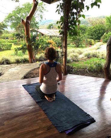 yoga-retreat-contemplate-0618i