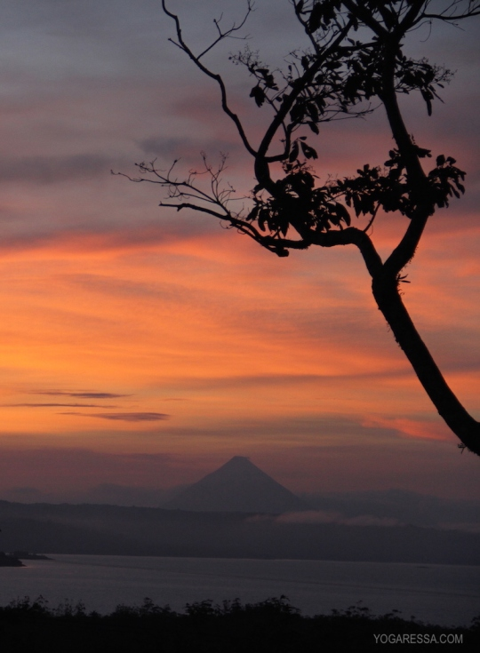 IMG_0913-yogaressa-costa-rica-sunrise