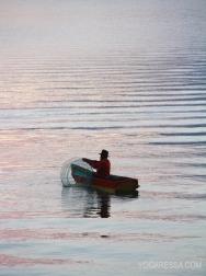 Lake-Atitlan-fisherman-yogaressa
